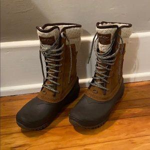 Women's Shellista Mid Boot Size 9